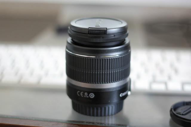Cannonの50mm単焦点レンズで撮ったレンズキットのレンズ