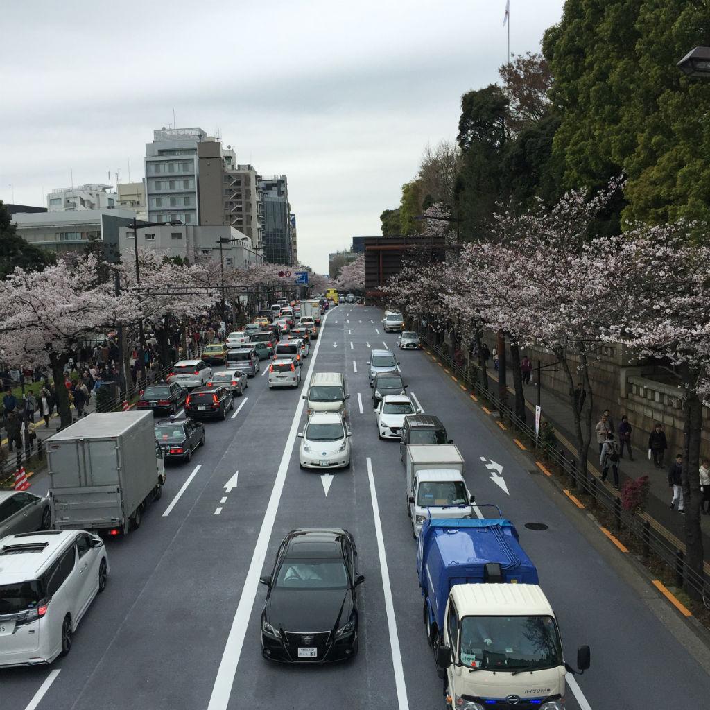 東京観光:靖国神社へ